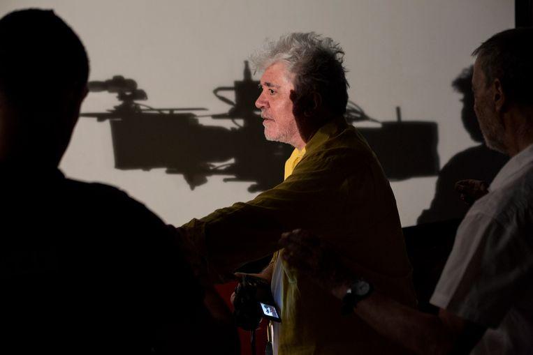 Pedro Almodóvar op de set van Dolor y gloria Beeld
