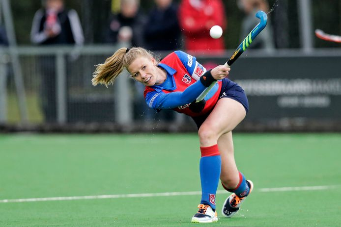 Caia van Maasakker in actie tijdens de play-offs tegen Amsterdam, vorige week donderdag. Het was haar laatste wedstrijd.