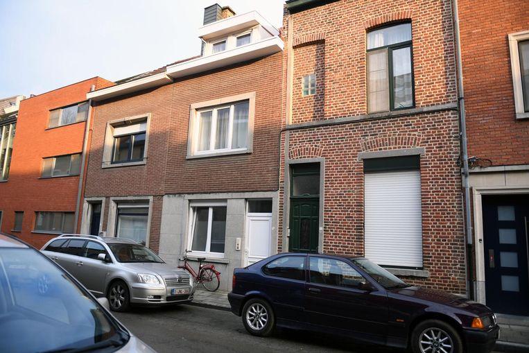 De inbreker brak binnen in twee huizen in de Ierse Predikherenstraat.