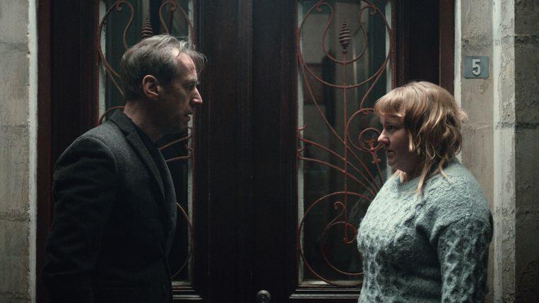 'Beau séjour', een tiendelige dramareeks over een vermoord meisje dat haar eigen moordzaak moet oplossen, bleek een succes op Netflix.  Beeld VRT