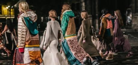 Haute Couture voor de straat: Modehuis Chloé levert stoffen en catwalk aan Sheltersuit