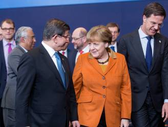 """""""Rutte en Merkel deden Turkije meer toezeggingen inzake vluchtelingenopvang dan rest van Europa wist"""""""