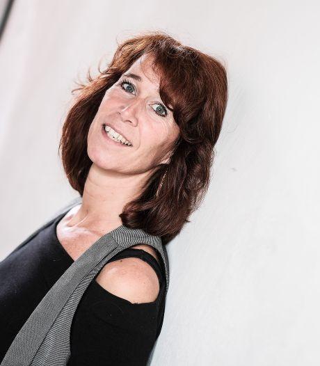 Esther uit Doesburg maakt videoboodschappen en nieuw album: 'Heel veel gedaan in coronatijd'