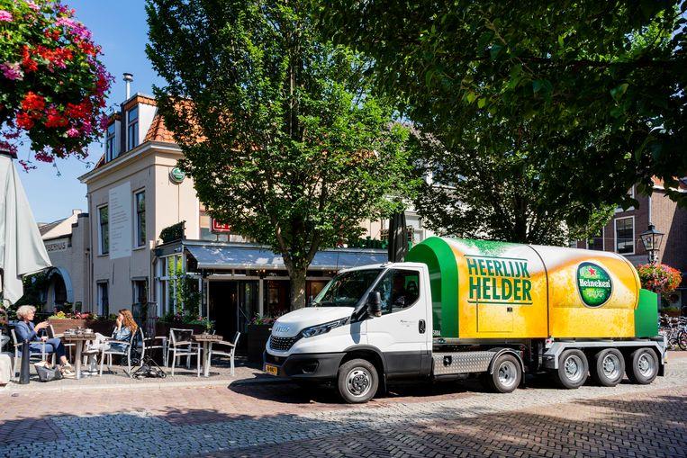 Een biertankwagen op diesel in Utrecht. Beeld Heineken