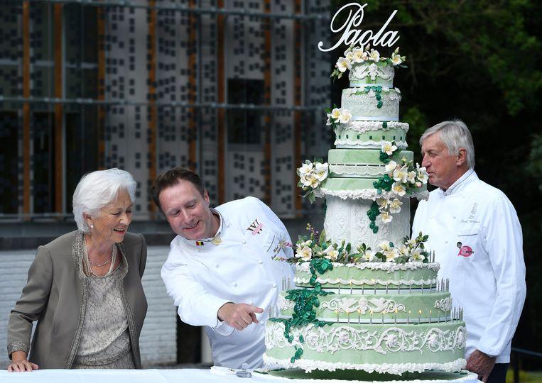 Voor de 80ste verjaardag van Paola maakte Michael een taart met eetbare kevers.