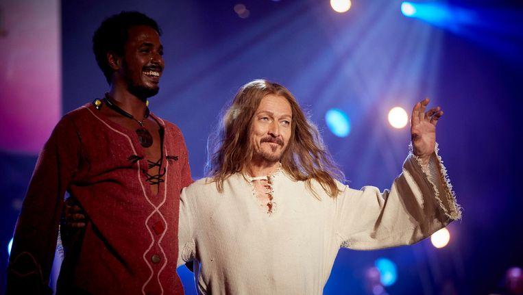 Ted Neeley (R) van Jesus Christ Superstar op het podium tijdens de tiende editie de Musical Sing-a-Long op het Museumplein. Beeld anp