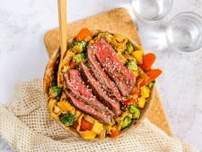 Wat Eten We Vandaag: Snelle noedels met biefstuk en mango