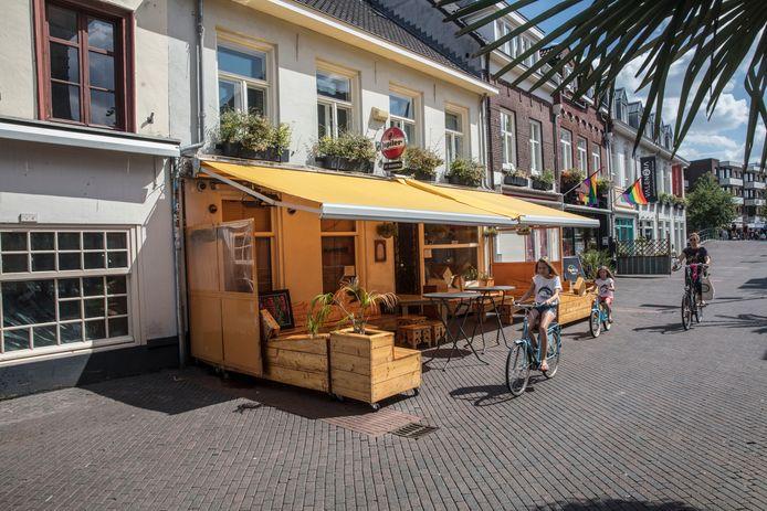 Cafe de Bakkerij aan het Stratumseind in Eindhoven is inmiddels op slot.