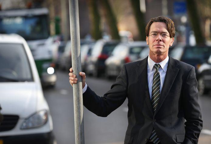 Peter van der Knaap, directeur van het Instituut voor Wetenschappelijk Onderzoek Verkeersveiligheid, vindt dat de wegen nog niet af zijn.