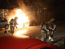 Geparkeerde auto in brand gevlogen op de Plutostraat