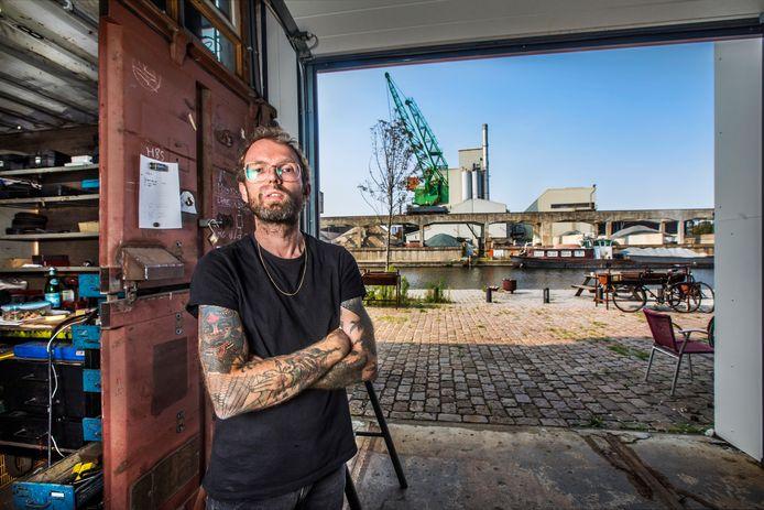 Dennis Slootweg van de tegenover gelegen culturele broedplaats De Besturing hoopt dat de Binckhaven ook na nieuwbouw zijn oorspronkelijke karakter blijft behouden.