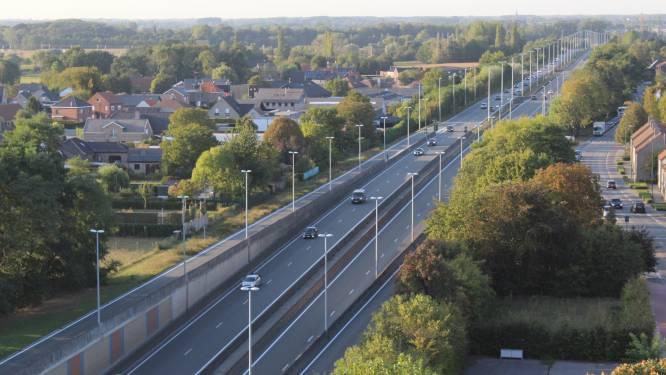 Vrouw (43) scheurt met 143 kilometer per uur over N44 in Aalter: 480 euro boete en 21 dagen rijverbod