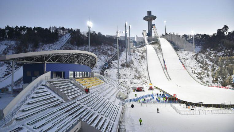 De locaties voor de Winterspelen, die in februari worden gehouden, zijn af en liggen te wachten op de wintersporters en toeschouwers. Beeld afp