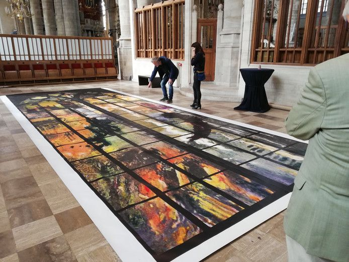 Het ontwerp van het herdenkingsraam in de Laurenskerk. Waarschijnlijk pas in het najaar wordt het geplaatst in het monumentale gebedshuis in hartje Rotterdam.
