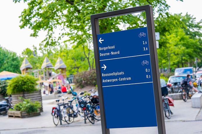 De nieuwe fietsborden in Antwerpen.