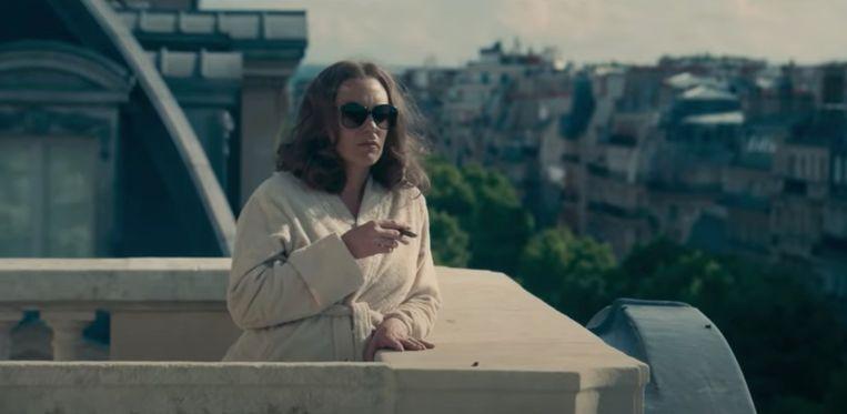 Madame Claude met Karole Rocher als hoerenmadam in Parijs. Beeld