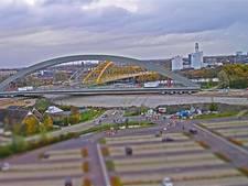 Nieuwe spoorbrug in Utrecht levert spectaculaire beelden op