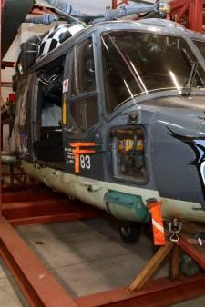 Uniek kijkje in hét militaire depot van Nederland: van megahelikopters tot typemachine met SS-symbool