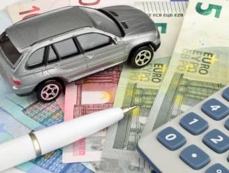 """Nieuwe cijfers tonen aan hoe sterk uw autobelasting gestegen is: """"Vlaming betaalt zich blauw aan groenere taksen"""""""
