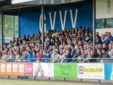 Supportersbus GVVV bekogeld bij terugkeer in Veenendaal