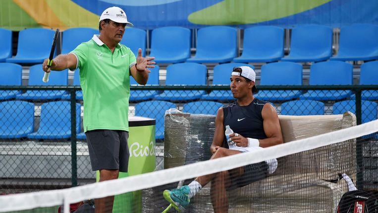 Toni in overleg met Rafael op 1 augustus 2016 in Rio de Janeiro. Beeld afp