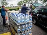 Vitens deelt water uit in Geldermalsen