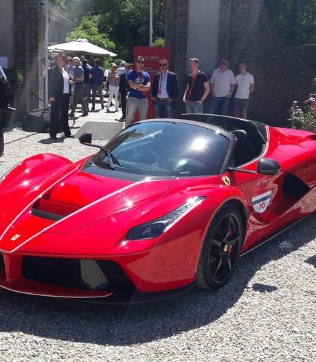 Fans vergapen zich aan een Ferrari van 3,5 miljoen
