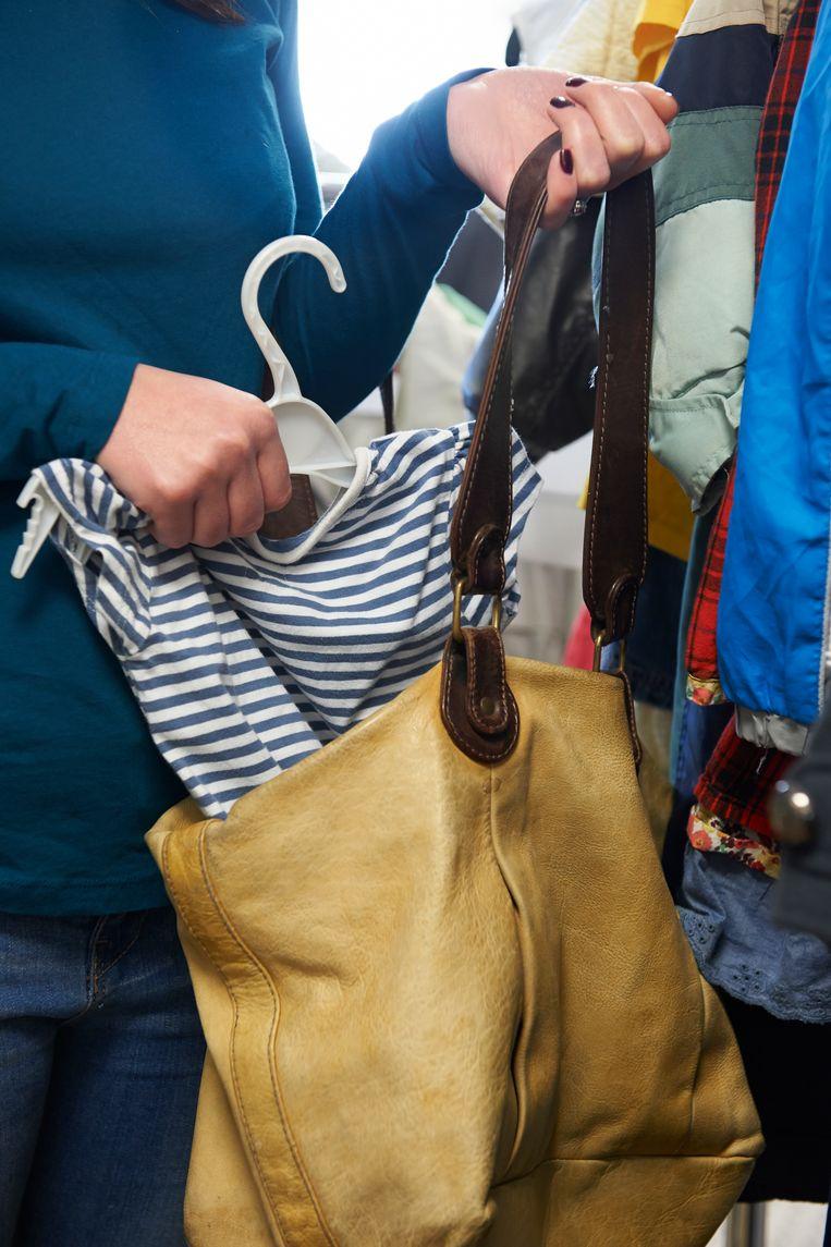 Illustratiebeeld - De vrouw ging ervandoor met kleren uit de C&A.