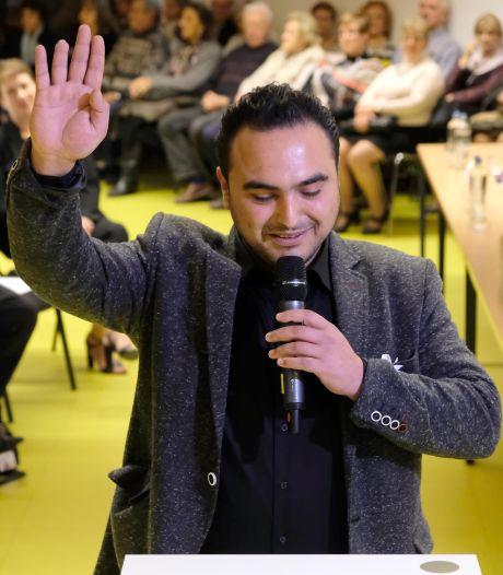 Un conseiller communal crée la polémique à Herstal en posant avec un groupe ultranationaliste