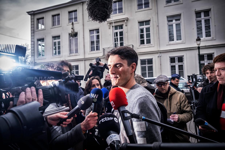 Conner Rousseau voor de camera's in Brussel, nog voor de lockdown.