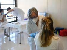 L'Espagne commence à administrer la deuxième dose du vaccin contre le coronavirus