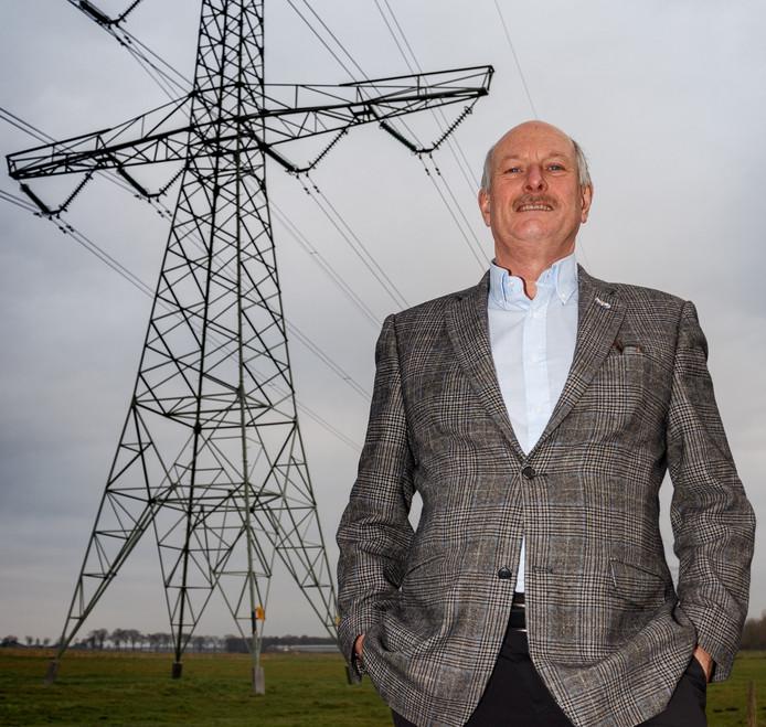 Etten-Leur - 21/12/2016 - Foto: Marcel Otterspeer / Pix4Profs - Wethouder Ron Dujardin is de woordvoerder namens alle West-Brabantse gemeentes op het gebied van hoogspanning (380 kV).