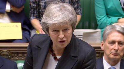 """Theresa May dreigt in parlement: """"Mijn brexit of geen brexit"""""""