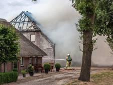 Schuur bij woonboerderij gaat in vlammen op in Linde