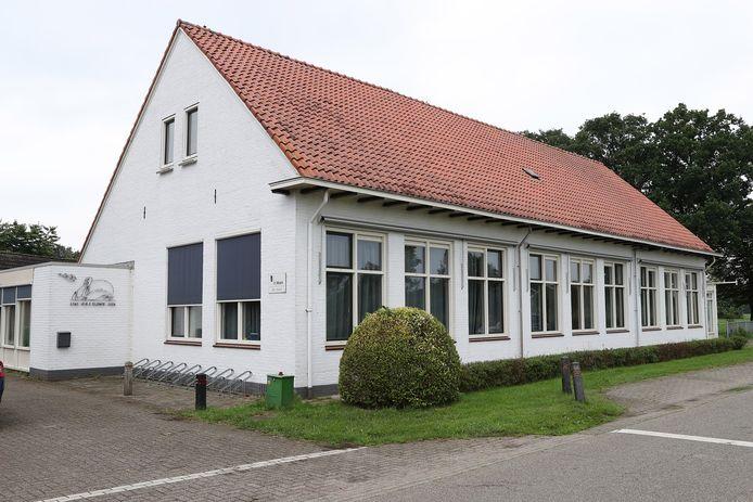 De basisschool in Elshof sloot bijna twee jaar geleden.