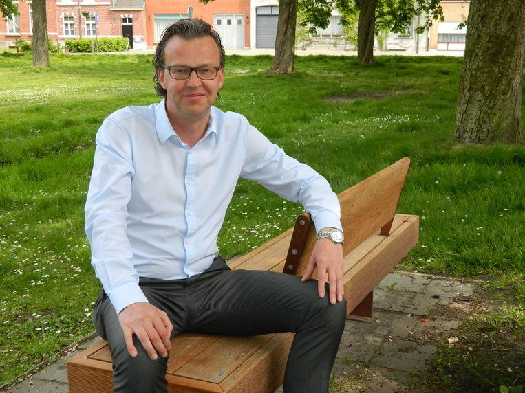 Oud-burgemeester Filip Gijssels is nu gemeenteraadslid.
