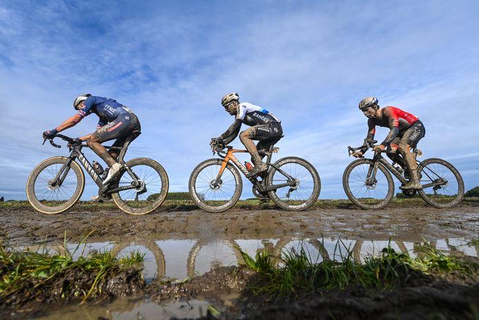 Van Der Poel, Colbrelli en Boivin in de recente Parijs-Roubaix.