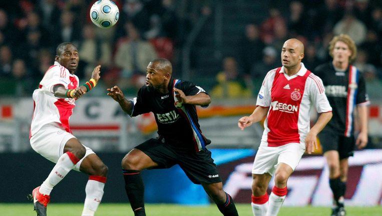 17 oktober 2009: Ajax-Willem II. De wedstrijd is gemanipuleerd, zegt een fixer. Maar de feiten zijn verjaard. Namens Willem II in actie: Ibrahim Kargbo. Beeld Toin Damen
