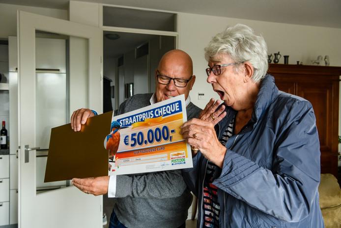 Bep uit Ameide is één van de winnaars van de Postcode Loterij Straatprijs.