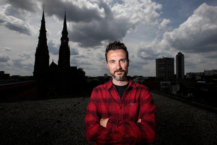 Dave van den Berg op het dak van Dynamo.