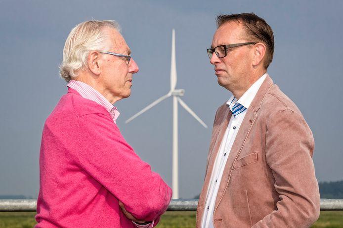 Voor en tegenstanders van windturbines in Alphen