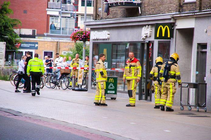 Iedereen moest de McDonald's in het centrum van Apeldoorn verlaten nadat er een gaslucht was geroken.
