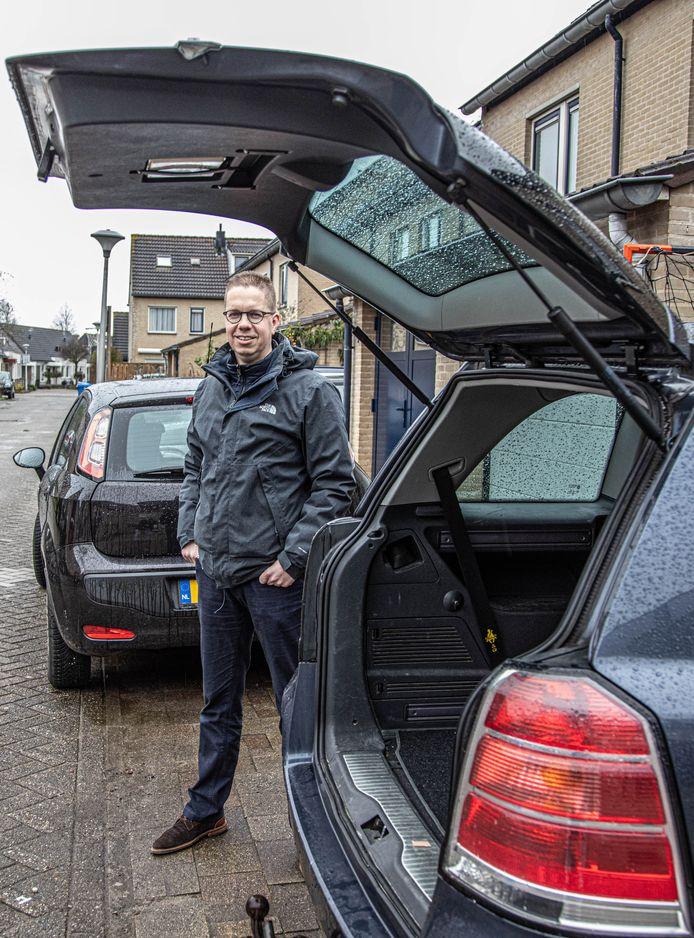 Marko van Gaalen (42) uit Zwolle verhuurt een Fiat Punto en een Opel Zafira via een autodeelplatform.
