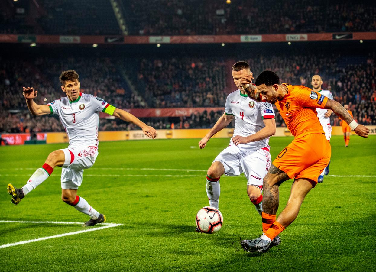 Memphis Depay in actie tegen Wit-Rusland.
