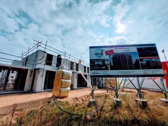De bouw van 80 woningen in Doesburg is in volle gang.