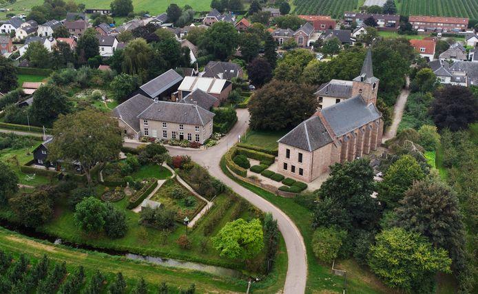 De wandelroute loopt onder meer door het pittoreske Erichem.