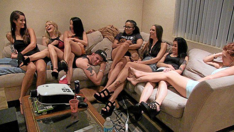 Een scene uit de documentaire Hot Girls Wanted. Beeld Netflix
