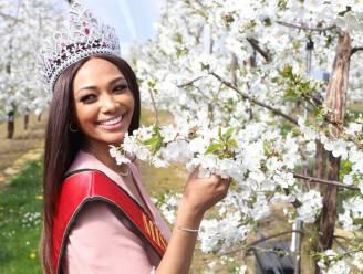 Miss België Kedist Deltour bezoekt bloesems in Sint-Truiden