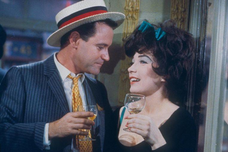 Jack Lemmon en Shirley MacLaine in Irma la Douce van Billy Wilder Beeld