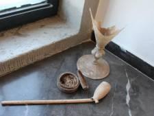 Middeleeuws toilet op Kasteel Helmond ontdekt, met veel meer dan alleen uitwerpselen